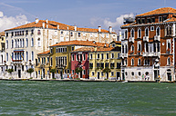 Italy, Veneto, Venice, Zattere, Row of houses by the canal - THAF000622