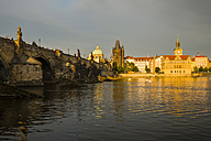 Czechia, Prague, Charles Bridge, Old Town Bridge Tower and Bedrich Smetana Museum in the evening - WGF000475