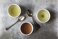 Three tea bowls of Sencha, Hojicha, Genmaicha and three tea spoons - EVGF000930