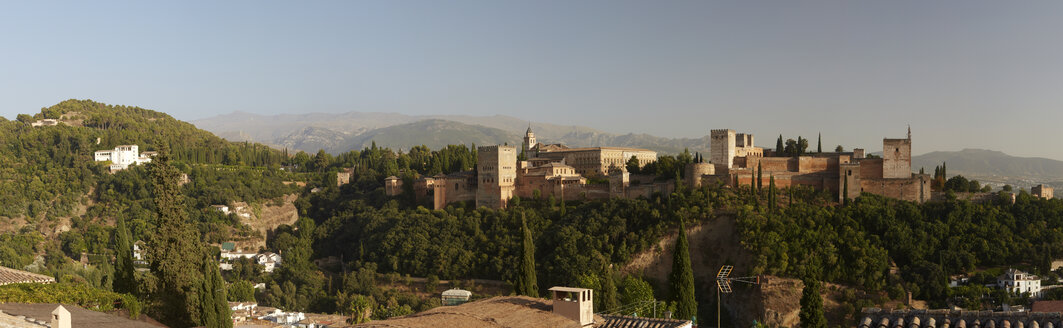 Spain, Granada, View over Alhambra, Sierra Nevada in the background, Panorama - DHL000493
