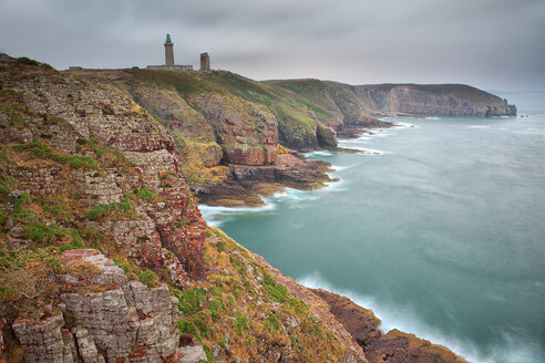 France, Brittany, Cap Frehel with lighthouse - DSGF000737