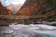 Spain, Ordesa National Park, bridge over Arazas River - DSGF000534