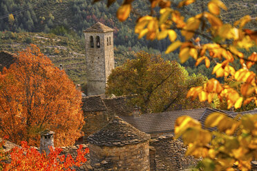 Spain, Province of Huesca, church in mountain village Fanlo - DSGF000479