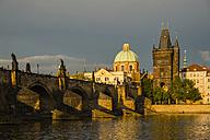 Czech Republic, Prague, Charles Bridge over Vltava - WGF000478
