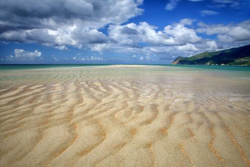 Portugal, Atlantic coast, Portinho da Arrabida beach - DSGF000866