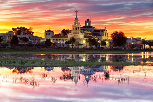 Spain, Andalusia, Huelva province, Donana National Park, El Rocio village and church at dusk - DSGF000419