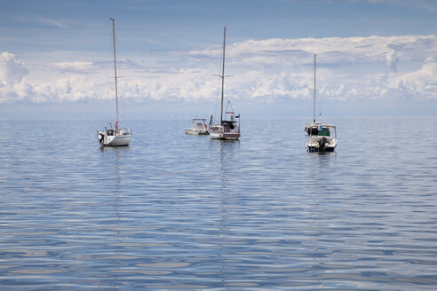 Slovenia, Istria, Koper, boats on Adriatic Sea - WIF001115