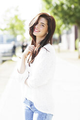 Portrait of happy young woman - GDF000479