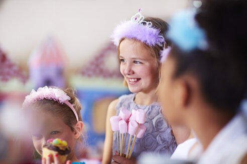 Girls on a birthday party - ZEF001367