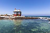 Spain, Canary Islands, Lanzarote, Punta de la Vela, Fishing village Arrieta, Blue House or Casa Juanita - AM002953