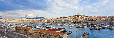 France, Provence-Alpes-Cote d'Azur, Bouches-du-Rhone, Marseille, Port Vieux, View to harbour and old town, Panorama - WDF002692