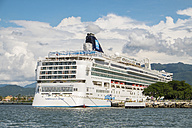 Mexico, Puerto Vallarta, cruise liner lying in the port - ABA001519
