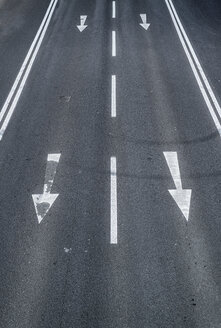 Arrow signs on a road - OPF000014