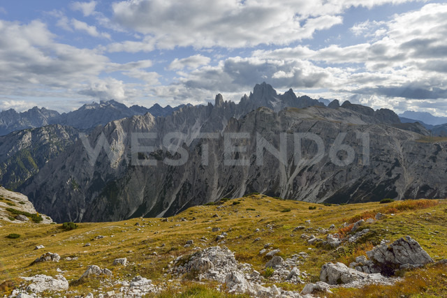 Italy, Veneto, Dolomites, Mountain scenery at the Tre Cime di Lavaredo area - RJF000314