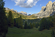 Italy, South Tyrol, Dolomites, Vie from Gardena pass in the evening - RJF000335