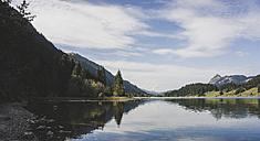 Austria, Tyrol, Tannheimer Tal, mountain lake - UUF002324