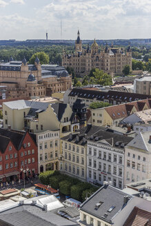 Germany, Mecklenburg-Western Pomerania, Schwerin, Cityscape, View to Market Square, Mecklenburg State Theatre and Palace - PVCF000155