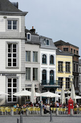 Belgium, Wallonia, Hainaut, Mons, Historic city centre, Houses at the Grand Place square - MIZ000633