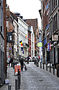Belgium, Wallonia, Hainaut, Mons, Historic city centre, narrow street - MIZ000632