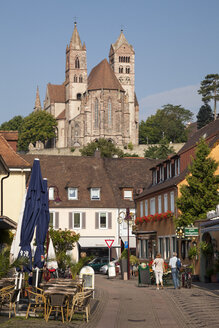 Germany, Baden-Wuerttemberg, Breisach, View to Breisach Minster - WIF001130