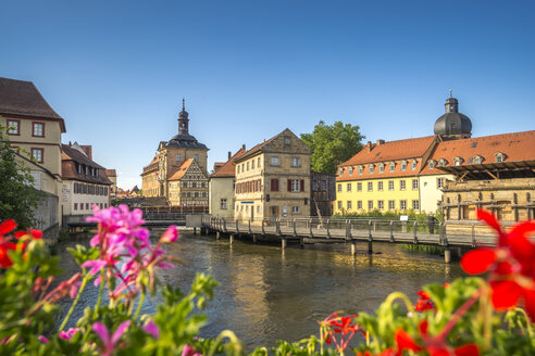 Germany, Bavaria, Bamberg, Regnitz river with old townhall - PUF000127