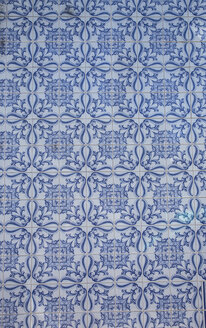 Portugal, Lagos, blue white Azulejos, close-up - KBF000229