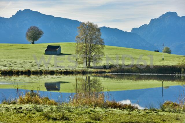 Germany, Bavaria, Allgaeu, landscape with lake at Fuessen - FDF000073