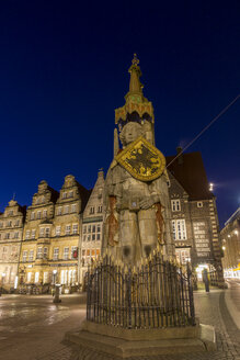 Germany, Bremen, view to Roland at marketplace by night - SJF000127