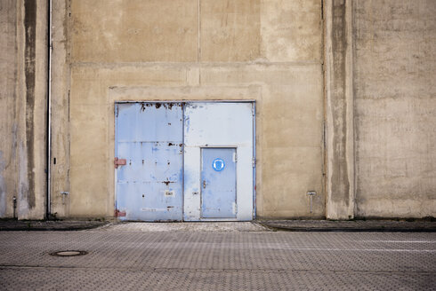 Germany, North Rhine-Westphalia, Neuss, door of a factory - GUFF000017