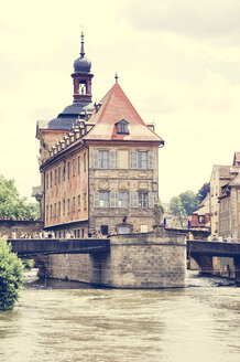 Germany, Bavaria, Bamberg, Old townhall at river Regnitz - PUF000244