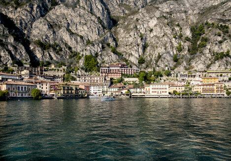 Italy, Lombardy, Brecia, Limone sul Garda, View of the city - LVF002179