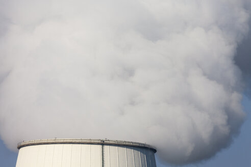 Germany, North Rhine-Westphalia, Bergkamen, Bergkamen Power Station, cooling tower - WIF001157