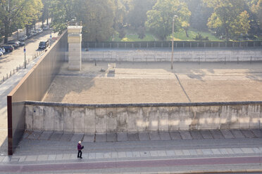 Germany, Berlin, former death strip at Berlin Wall Memorial at Bernauer Strasse - MEM000479