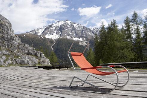 Switzerland, deck chair on sun deck - FSF000366