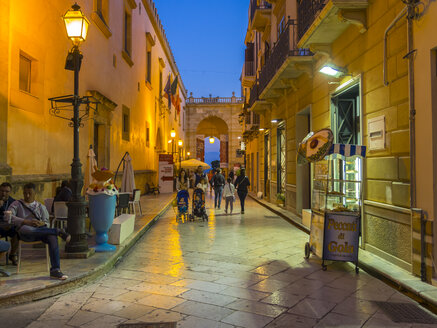 Italy, Sicily, Province of Trapani, Marsala, Old town, Alley in the evening - AM003234