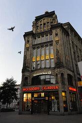 Germany, Hamburg, historical Kontorhaus in city - MIZ000742
