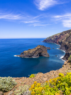 Spain, Canary Islands, La Palma, cliff coast at Garafia - AMF003256