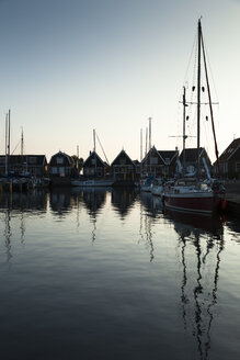 Netherlands, Durgerdam, IJsselmeer, harbor at dawn - FCF000531