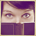 Woman with book - HOHF001166