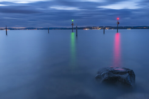 Switzerland, Thurgau, Altnau, Lake Constance, harbor entrance at blue hour - SH001735