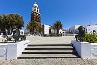 Spain, Canary Islands, Lanzarote, Teguise, Church Iglesia de Nuestra Senora de Guadalupe, Plaza la Constitucion - AMF003304