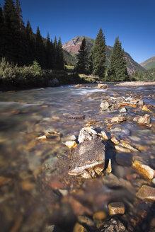 USA, Colorado, River near Silverton - NNF000113