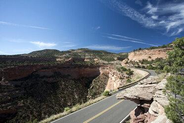 USA, Colorado, Colorado National Monument, Road - NNF000117