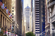 USA, Illinois, Chicago, view to street canyon in the city centre - SMAF000271