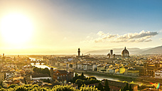 Italy, Tuscany, Florence, Cityscape in the evening light - PUF000342