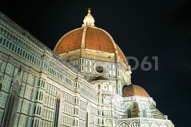 Italy, Tuscany, Florence, Basilica di Santa Maria del Fior at night - PUF000345