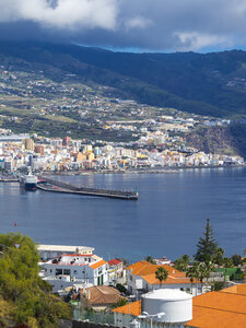 Spain, Balearic Islands, La Palma, Santa Cruz de la Plama, View to Harbour - AMF003357
