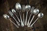 Arrangement of old forks and spoons - DEGF000003