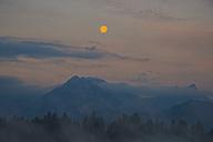 Germany, Bavaria, Fuessen, morning light at full moon at Hopfensee - WGF000545