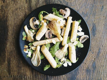 Black Salsify with Oyster Mushrooms and Toasted Almonds - HAWF000530